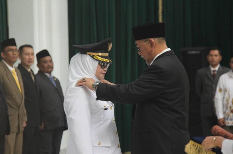 Imas Aryumningsih Resmi dilantik menjadi Bupati Subang Definitif Hingga 2018