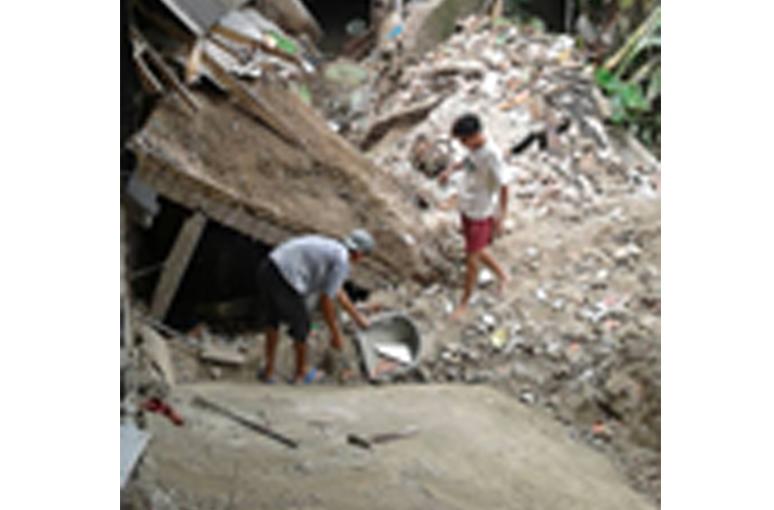 Konstruksi Asal Jadi, 5 Toko EM Ambruk Rugikan Penyewa Ratusan Juta Rupiah