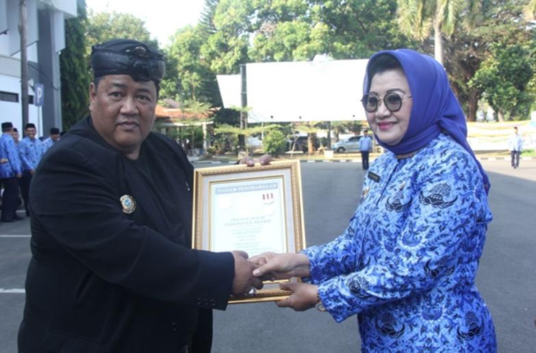 Berita Utama Subang Bupati Subang Raih Penghargaan ORI