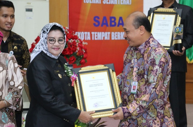 "Subang Raih Penghargaan ""Swasti Saba Wistara"""