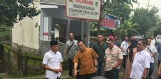 Cek Program Pelebaran Jalan Desa, Bupati Anas Minta Lelang Agar Dipercepat