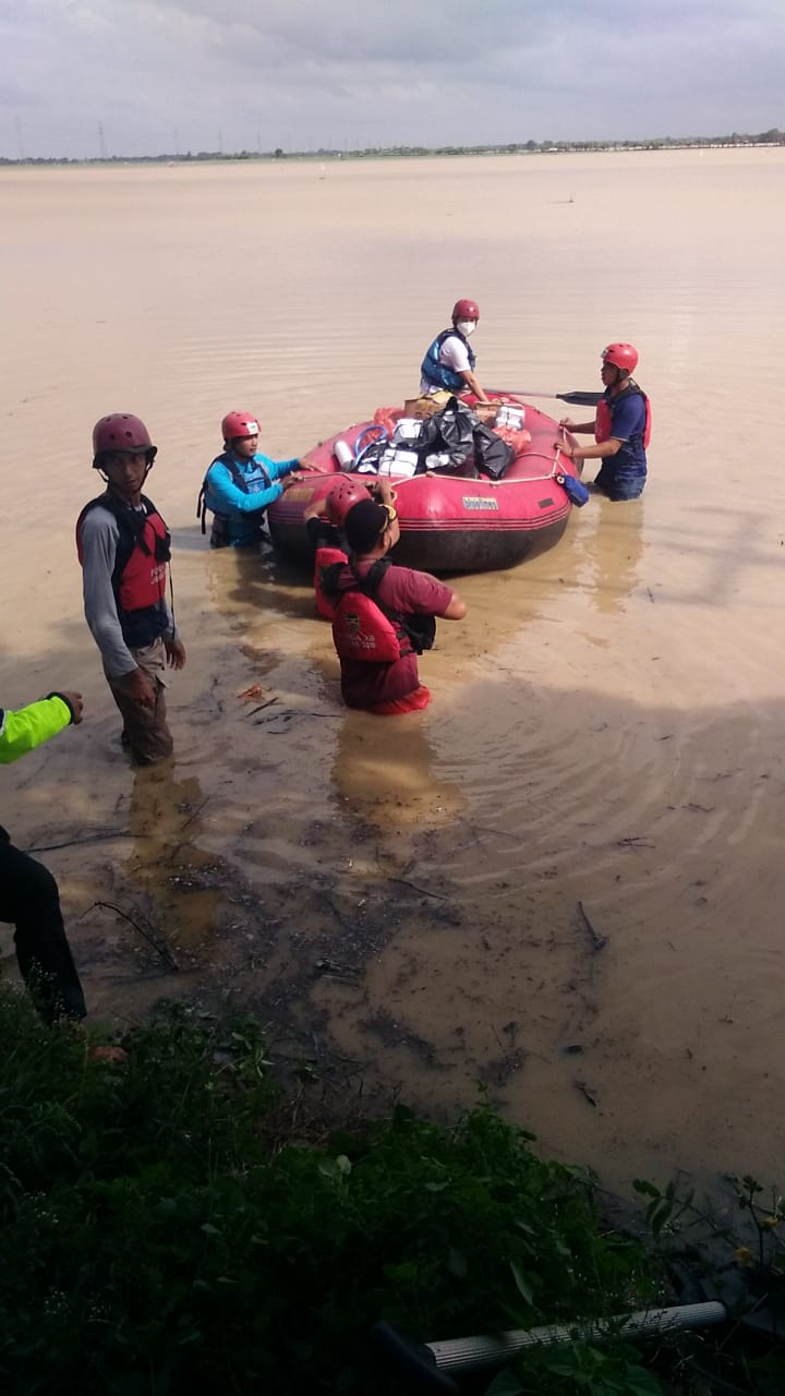 Mitra Warga Bersama Donatur Bantu Korban Banjir Pantura